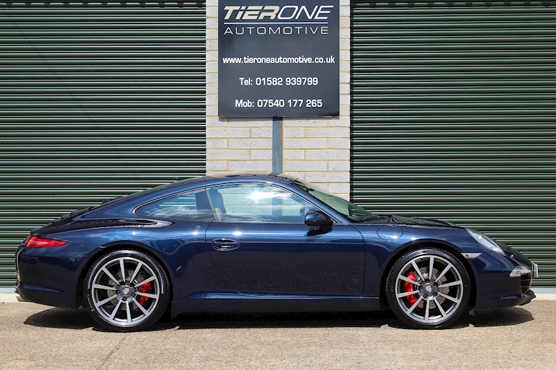 Porsche 911 Carrera 2S - Large 2