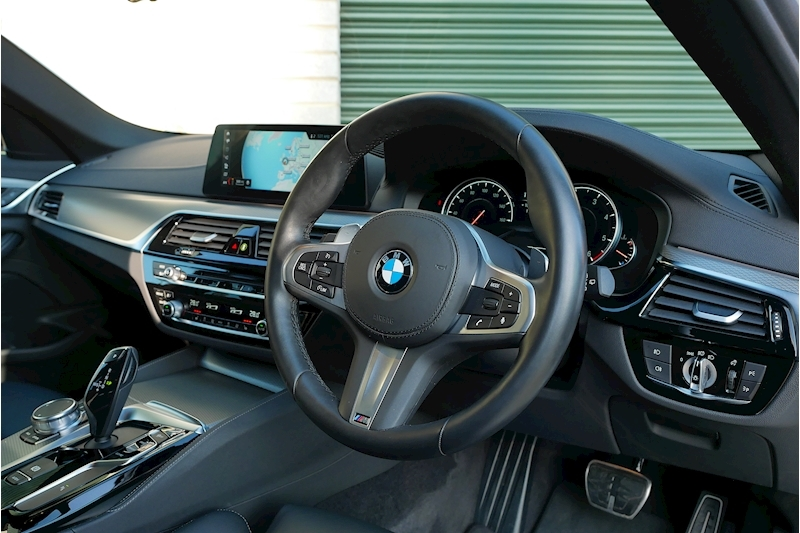 BMW 5 Series 530D M Sport Touring - Large 18