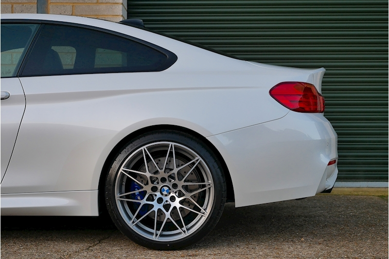 BMW M4 Competition Pack - Large 27