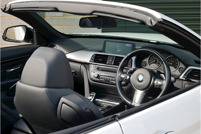 BMW 4 Series 435i M Sport Convertible - Large 12