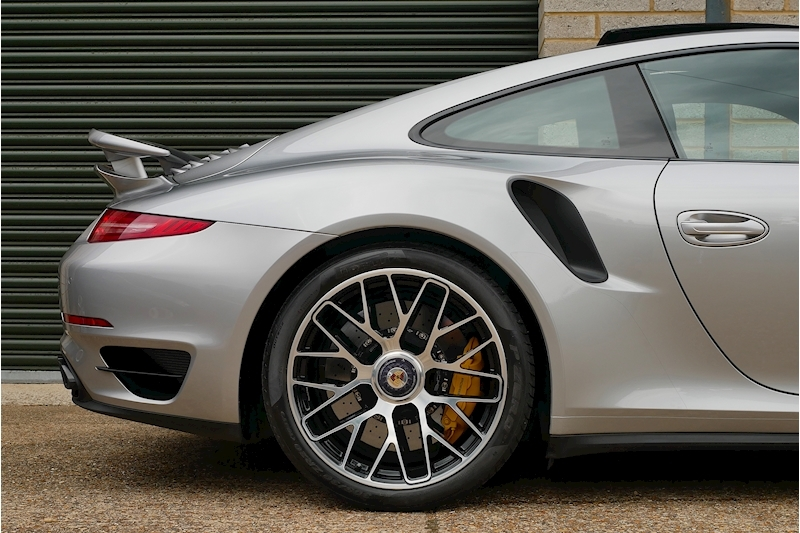 Porsche 911 991 Turbo S - Large 40