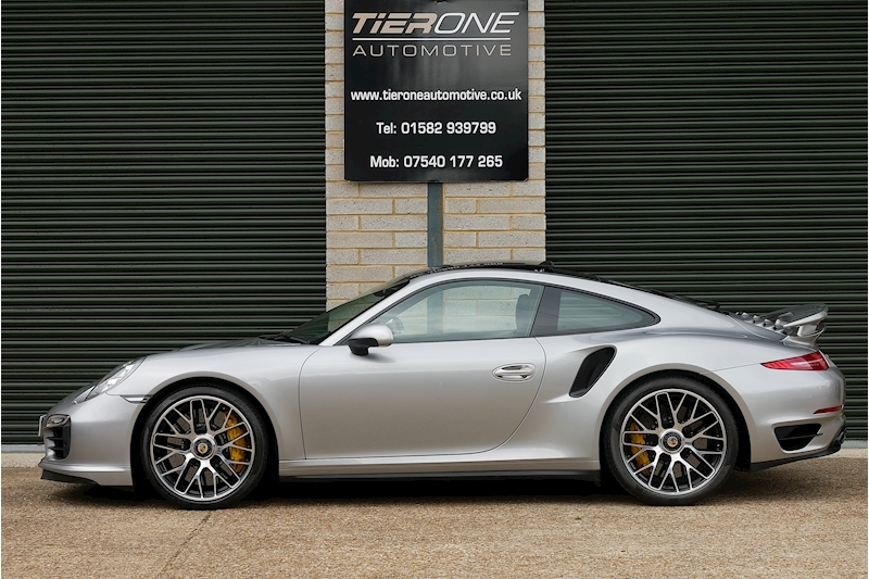 Porsche 911 991 Turbo S - Large 10