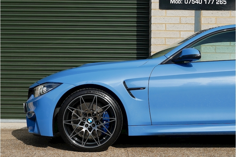 BMW M4 Competition Package - Large 31