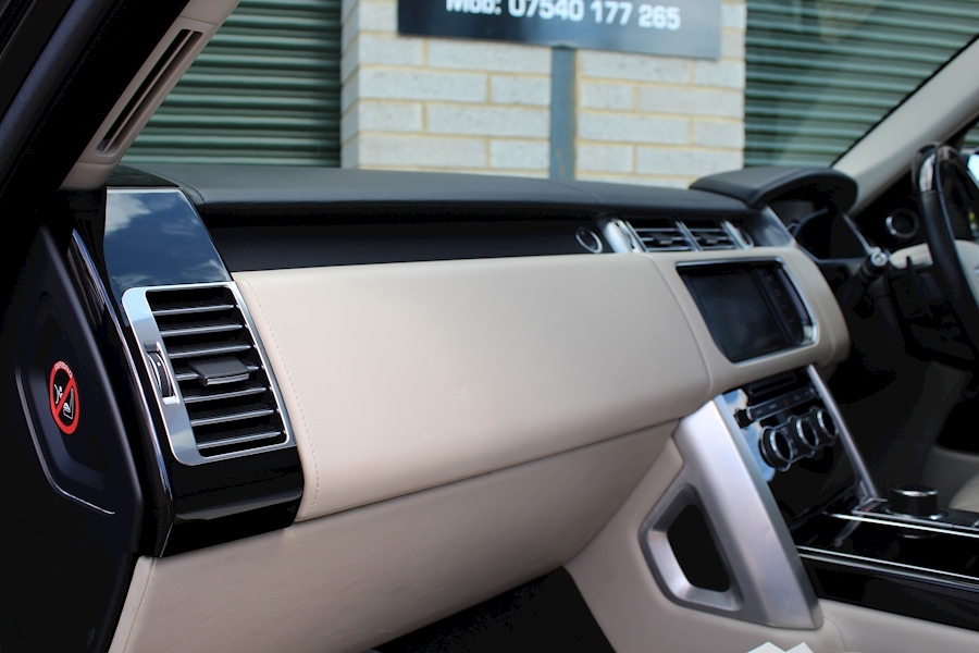Land Rover Range Rover V8 Autobiography - Large 32