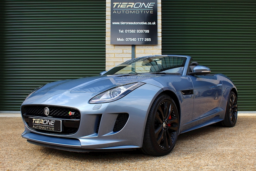 Jaguar F-Type V8 S - Large 39