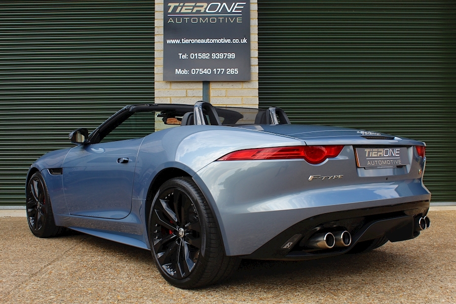 Jaguar F-Type V8 S - Large 40