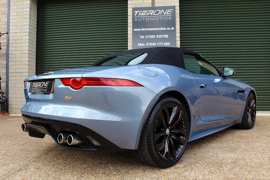 Jaguar F-Type V8 S - Large 34