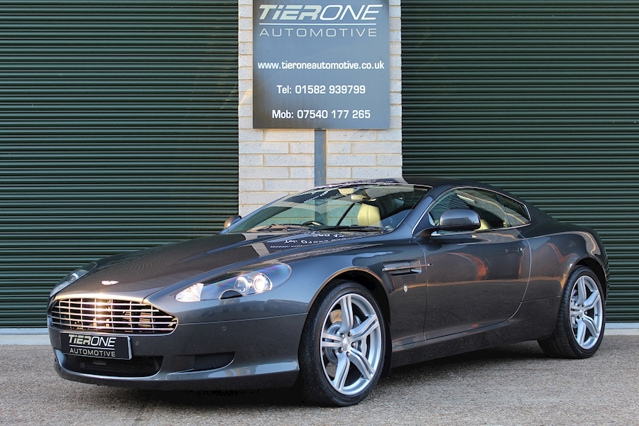 Aston Martin Db9 V12 - Large 29