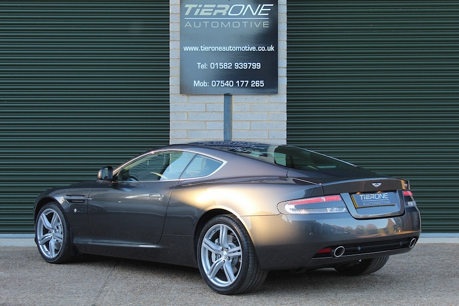Aston Martin Db9 V12 - Large 28