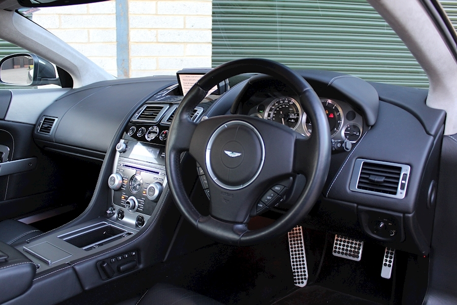 Aston Martin Db9 V12 - Large 4