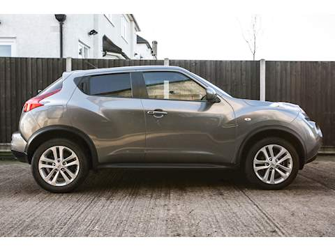 Nissan JUKE 1 Former owner with Full Service History, 2 keys, Heated seats, Navigation, only 37,876 miles