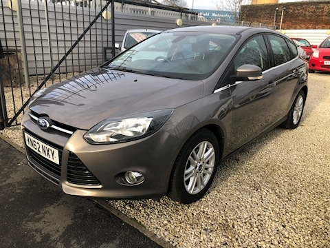 Ford Focus Titanium Hatchback 1.6 Automatic Petrol