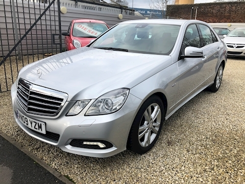 Mercedes-Benz E Class E350 Cdi Blueefficiency Avantgarde Saloon 3.0 Automatic Diesel