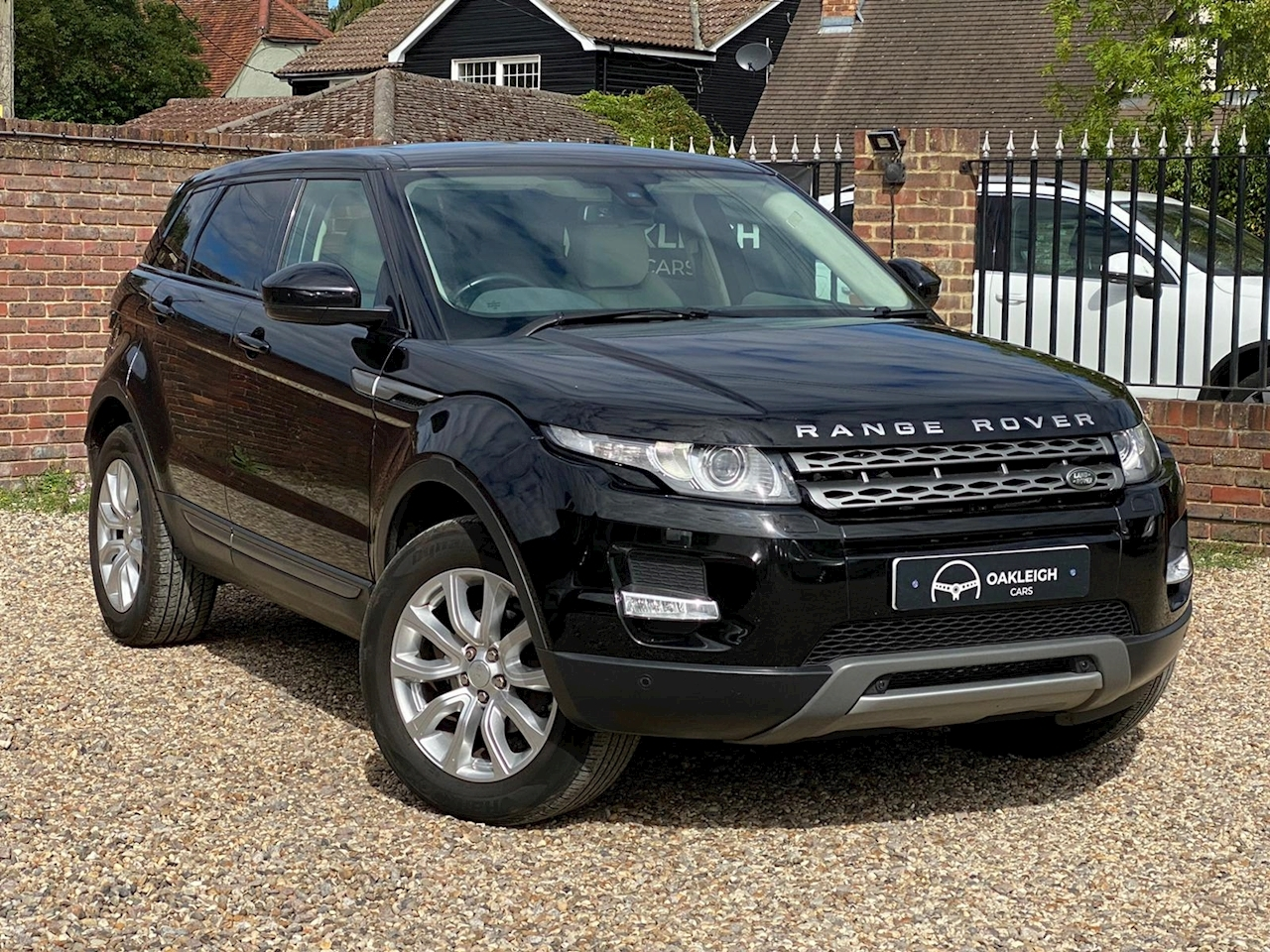 Land Rover Range Rover Evoque Pure Tech 2.2 5dr SUV Manual Diesel