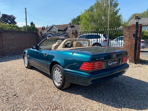 SL Class 3.2 SL320 Convertible 2dr Petrol Automatic (258 g/km, 231 bhp) 3.2 2dr Convertible Automatic Petrol