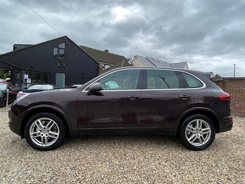 Cayenne 3.0 TD SUV 5dr Diesel Tiptronic 4WD (s/s) (262 ps) 3.0 5dr SUV Tiptronic Diesel
