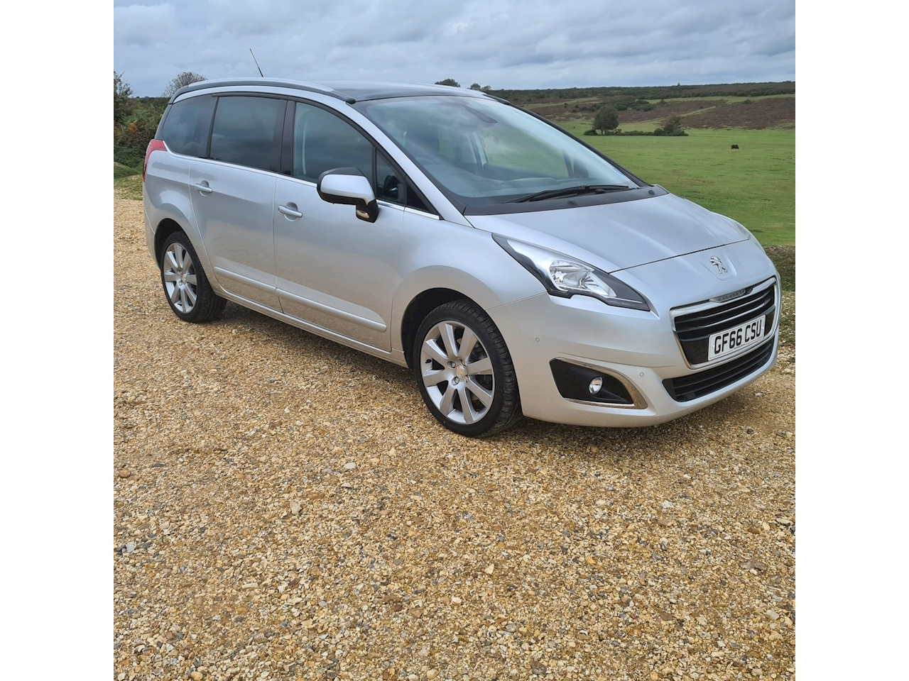 Peugeot 5008 Allure MPV 1.6 Manual Diesel
