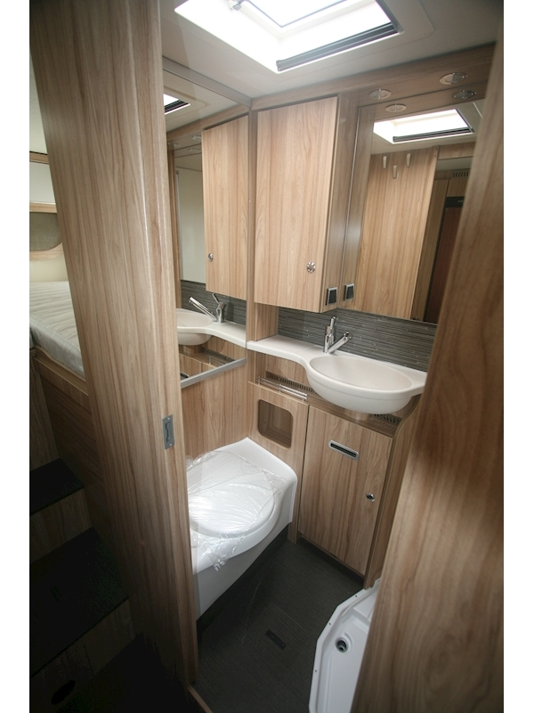 Hymer ML-T 580 - Large 8