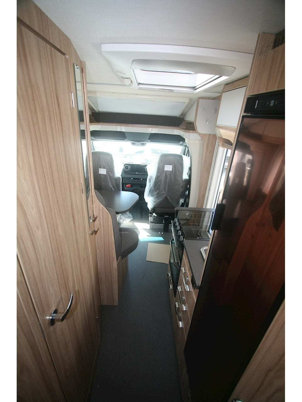 Hymer ML-T 580 - Large 11