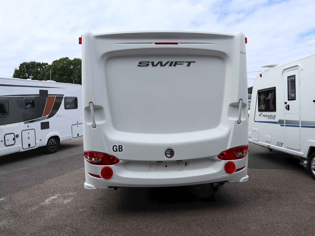 Swift Challenger 580 - Large 4