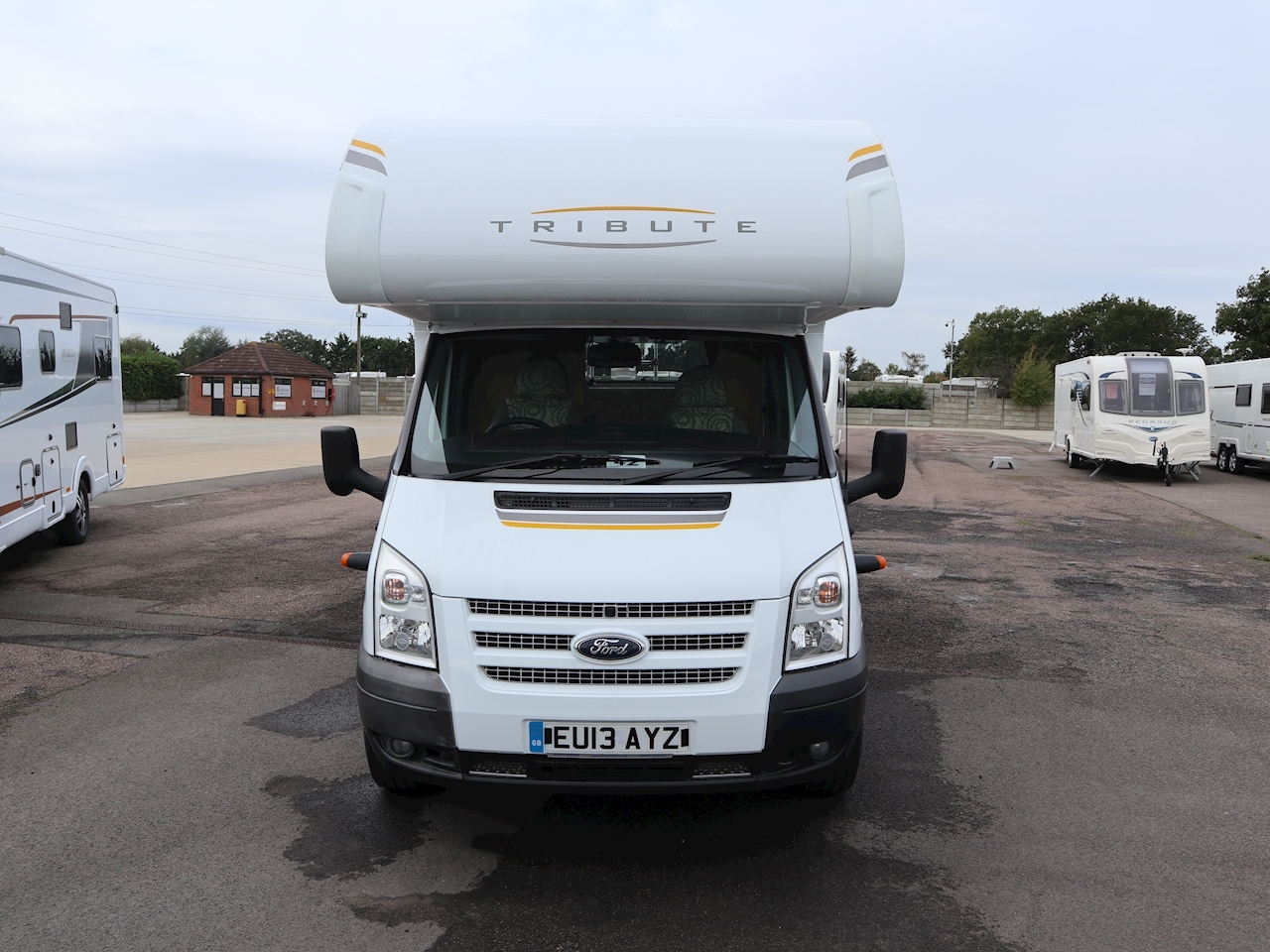 Ford Auto Trail Tribute T 625 - Large 1