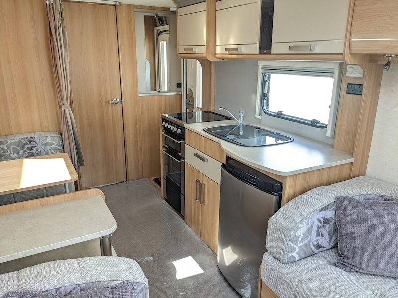 Coachman VIP 520'4 - Large 11