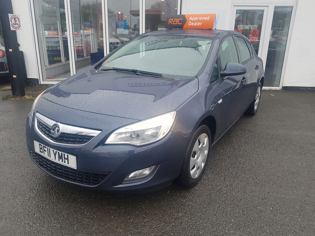 Astra Exclusiv Hatchback 1.4 Manual Petrol