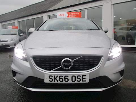 Volvo V40 D2 R-Design Hatchback 2.0 Manual Diesel