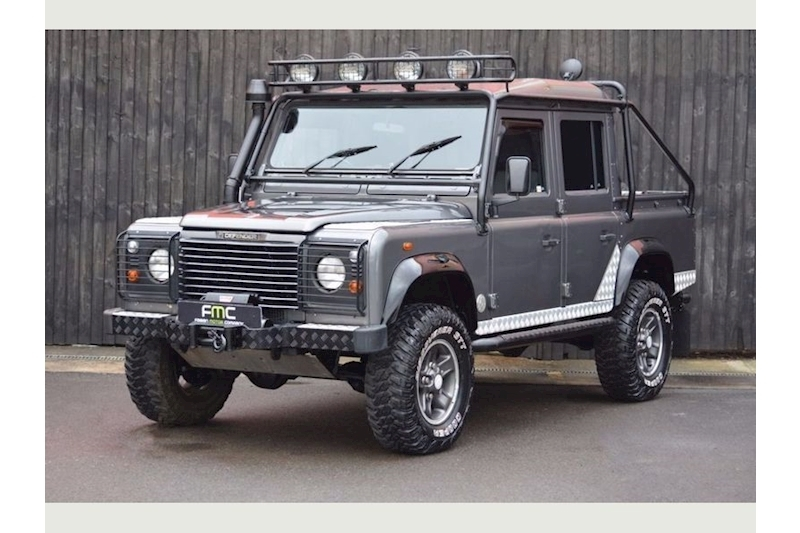 Land Rover Defender 110 Tomb DEFENDER 110 TOMB RAIDER Light 4X4 Utility 2.5 Manual Diesel