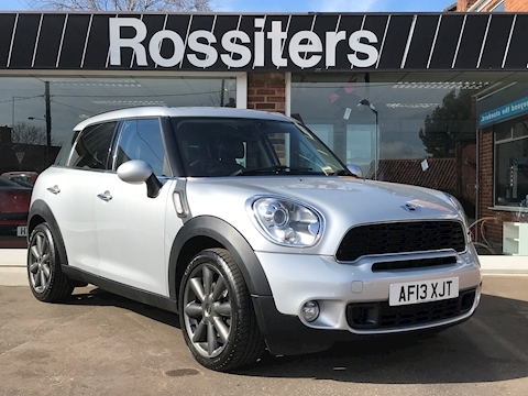 Mini Mini Countryman Cooper SD with heated Lounge Leather