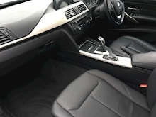 320d xDrive SE Touring with Sport Automatic Gearbox - Thumb 10