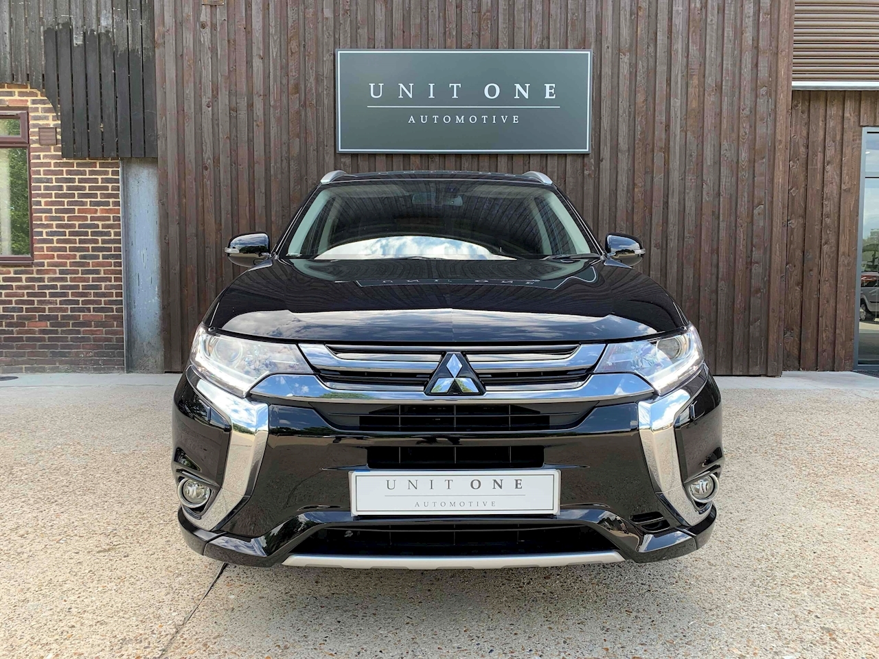Outlander Phev Juro Commercial Light 4X4 Utility 2.0 Cvt Petrol/Electric