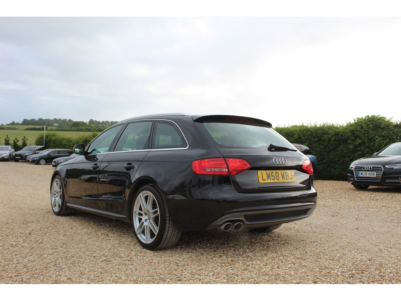 Audi A4 Avant Tdi Dpf S Line Estate 2.0 Manual Diesel