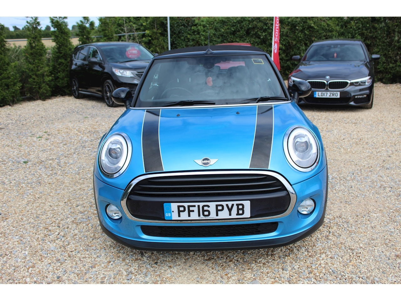 Mini Cooper Convertible 1.5 Manual Petrol