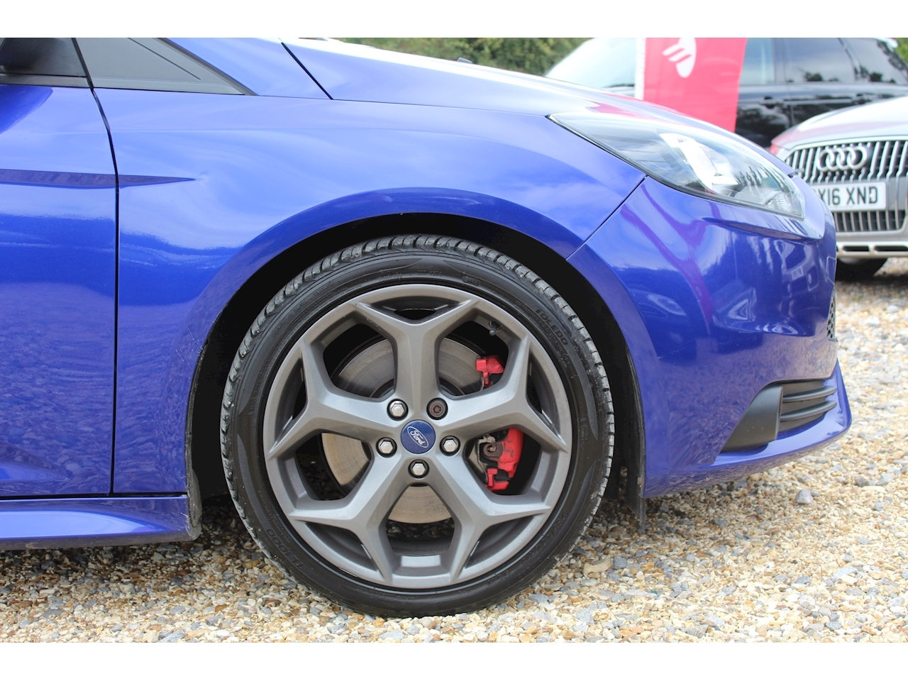 Ford Focus ST-2 Hatchback 2.0 Manual Petrol