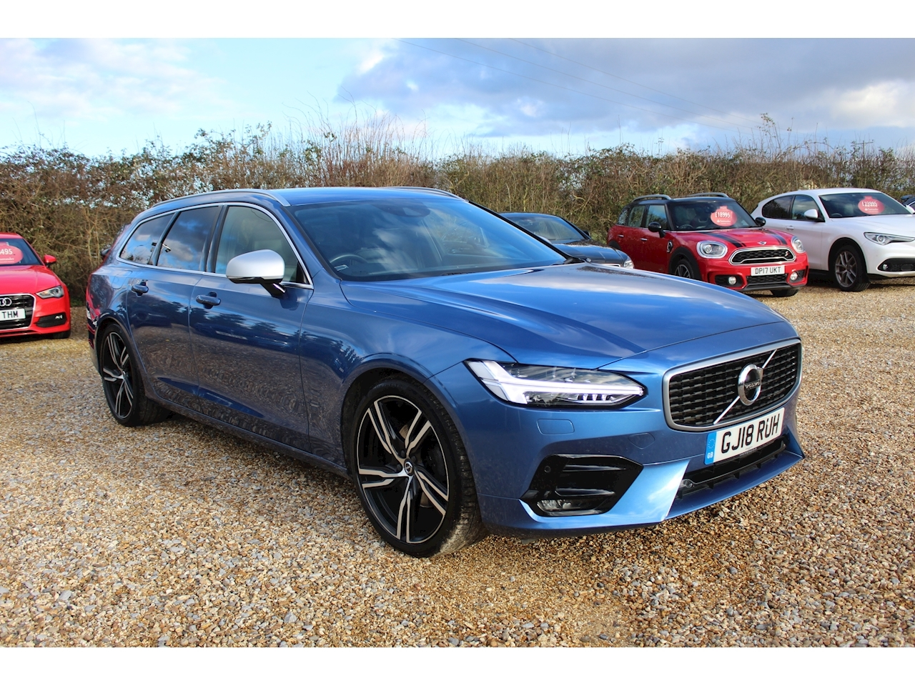 Volvo 2.0 D4 R-Design Pro Estate 5dr Diesel Auto (s/s) (190 ps)