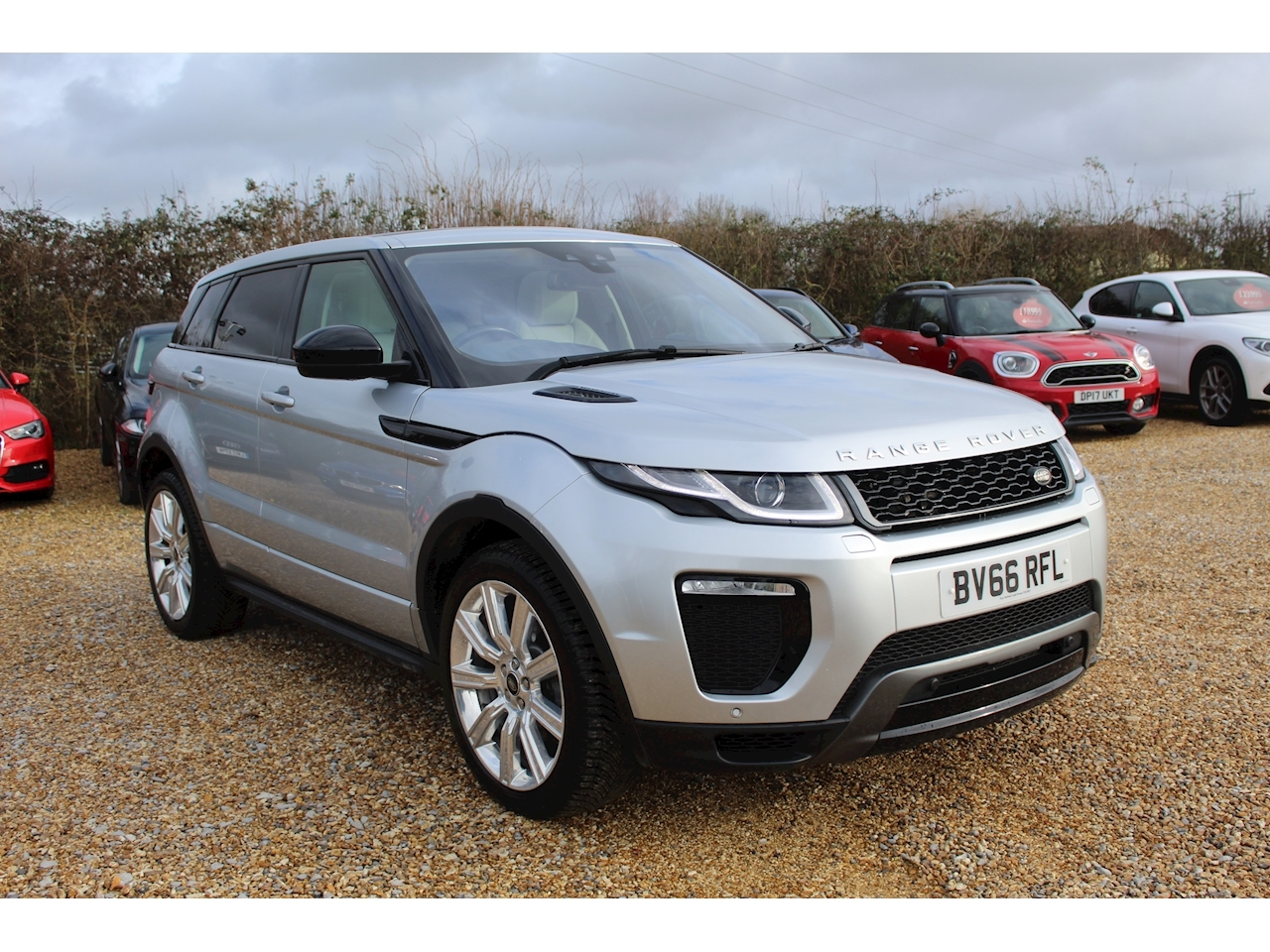 Land Rover 2.0 TD4 HSE Dynamic SUV 5dr Diesel Auto 4WD (s/s) (180 ps)