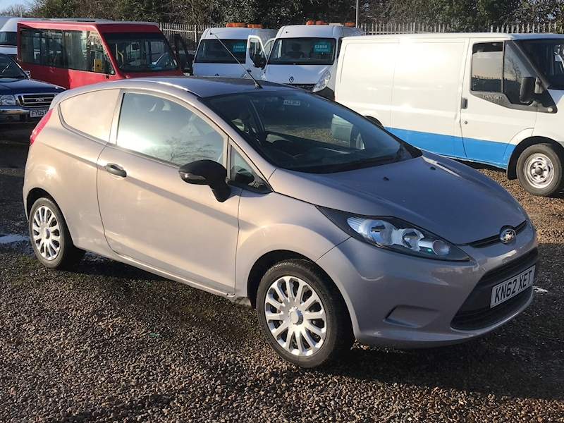 Ford Fiesta Base 1.4 Tdci - Large 0
