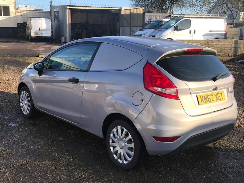 Ford Fiesta Base 1.4 Tdci - Large 3
