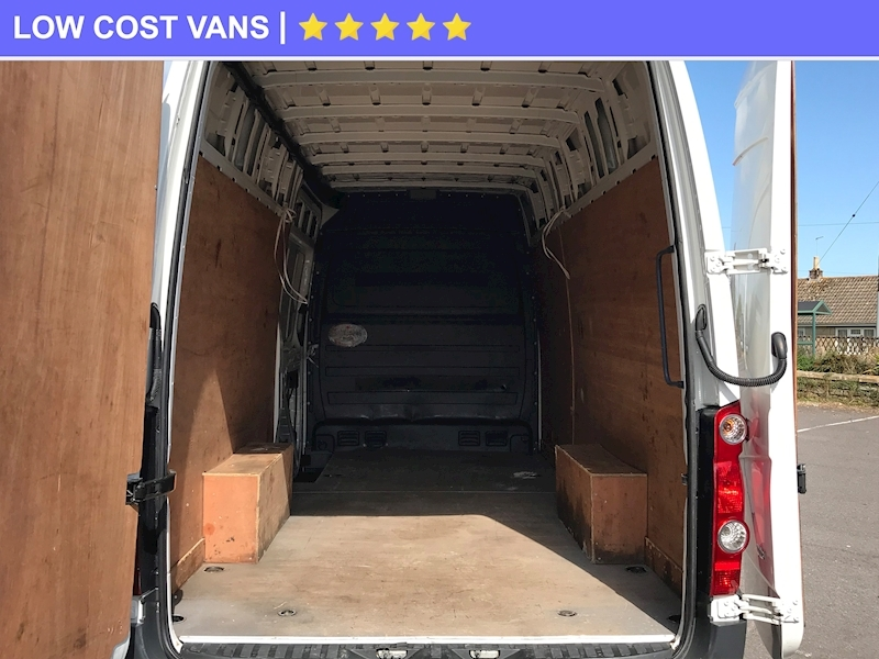 Volkswagen Crafter 2.0TDI Cr35 High Roof LWB - Large 12