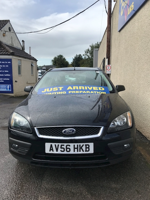 Ford Focus Zetec Climate - Large 2