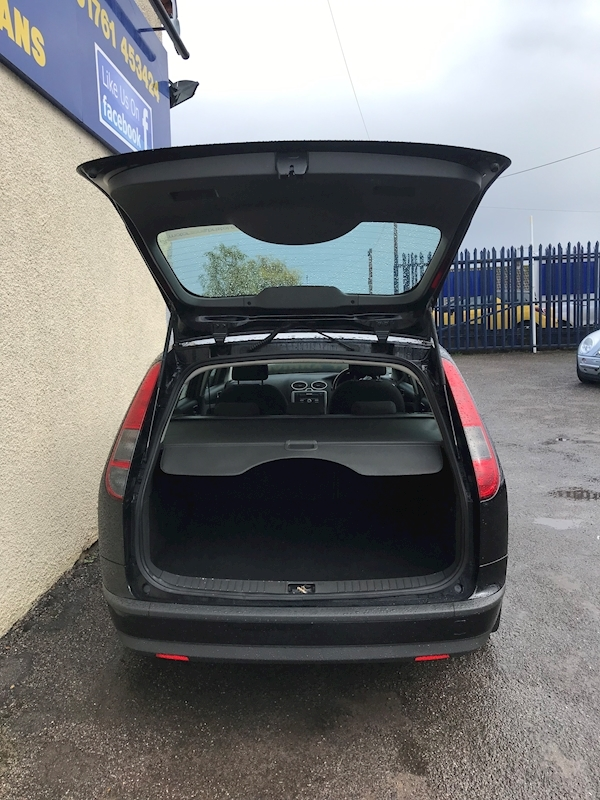 Ford Focus Zetec Climate - Large 10