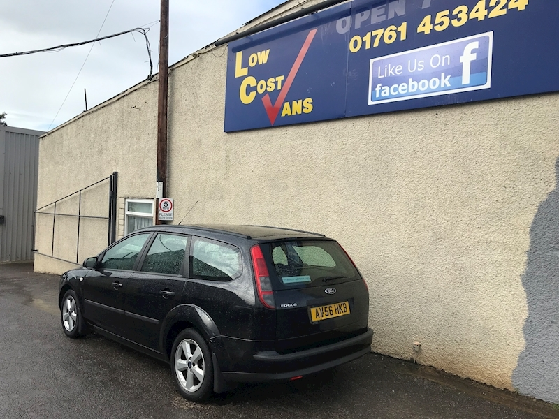 Ford Focus Zetec Climate - Large 5