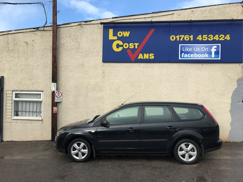 Ford Focus Zetec Climate - Large 4