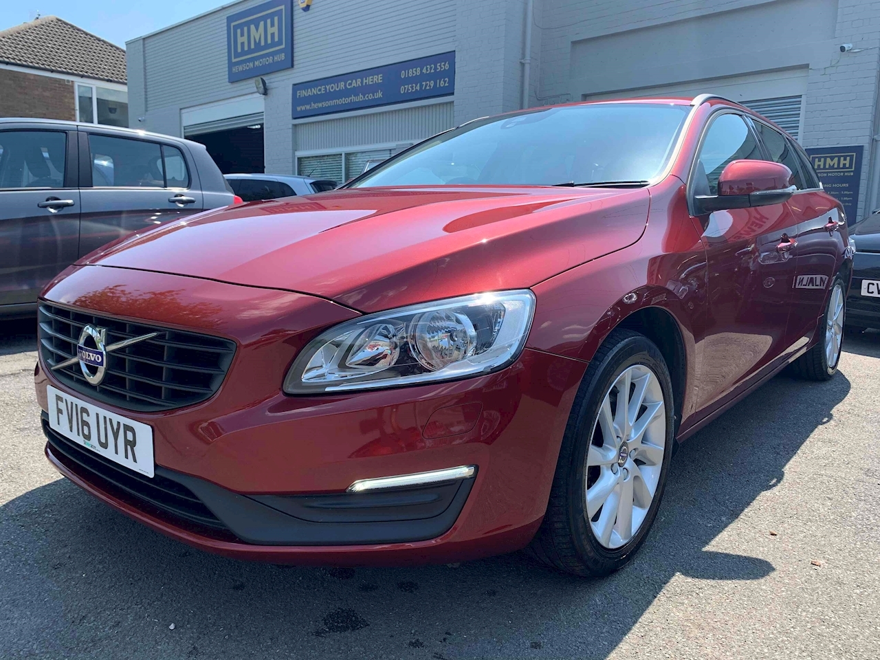V60 D3 Business Edition Estate 2.0 Manual Diesel