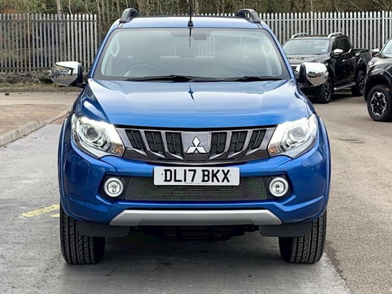 Mitsubishi L200 D4-D 180ps Barbarian 4x4 DCB Pick Uo With Lift Top Cover & Sat Nav 2.4 5dr Pickup Manual Diesel