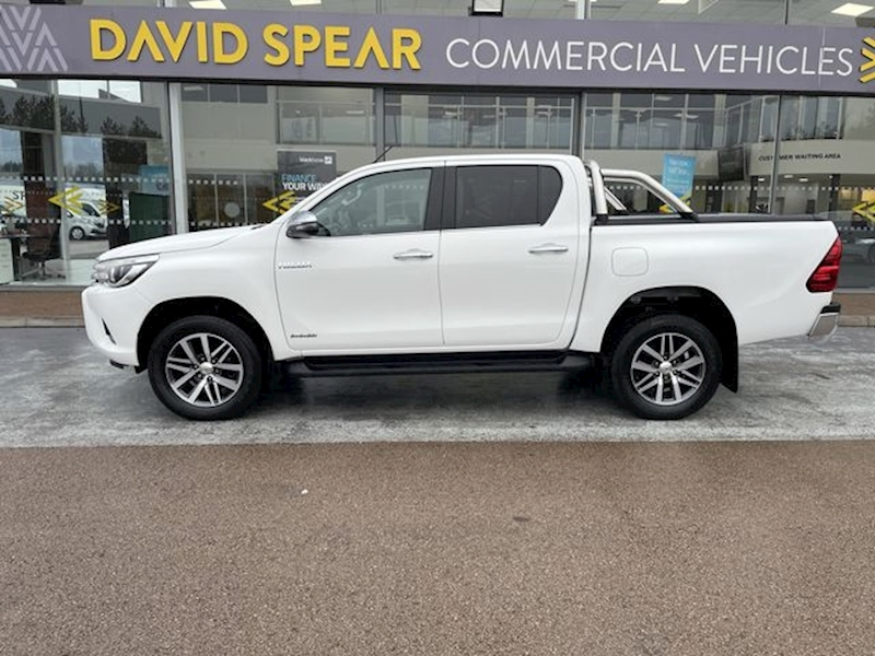 Toyota Hilux D4D 150ps Invincible 4x4 Dcb Pick Up With Air Con, Sat Nav, Roll Bar & Roll n Lock Cover 2.4 4dr Pickup Manual Diesel