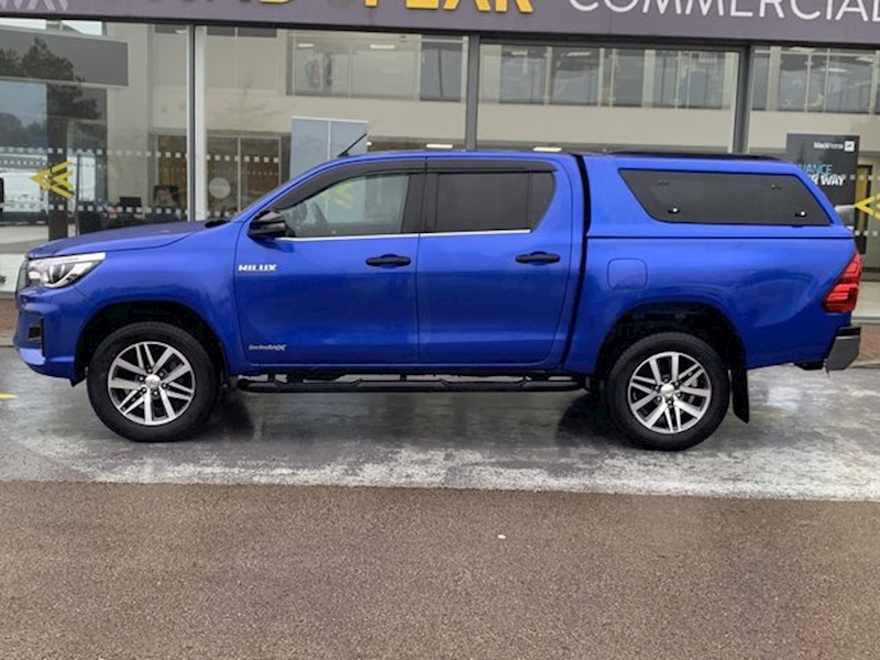 Toyota Hilux D4D 150ps Invincible X 4x4 Dcb Pick Up with Air Con, Sat Nav, Leather Seats, Alloys, Canopy Top 2.4 4dr Pickup Auto Diesel