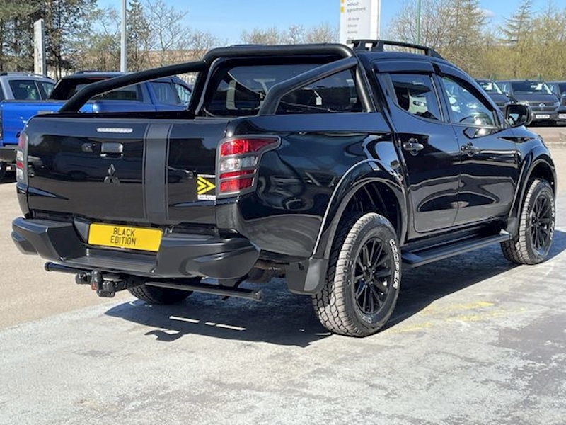 Mitsubishi L200 DID 180ps Triple Black Edition Barbarian 4X4 Dcb Pick Up With RollnLock, Rev Cam & Leather 2.4 4dr Pickup Automatic Diesel