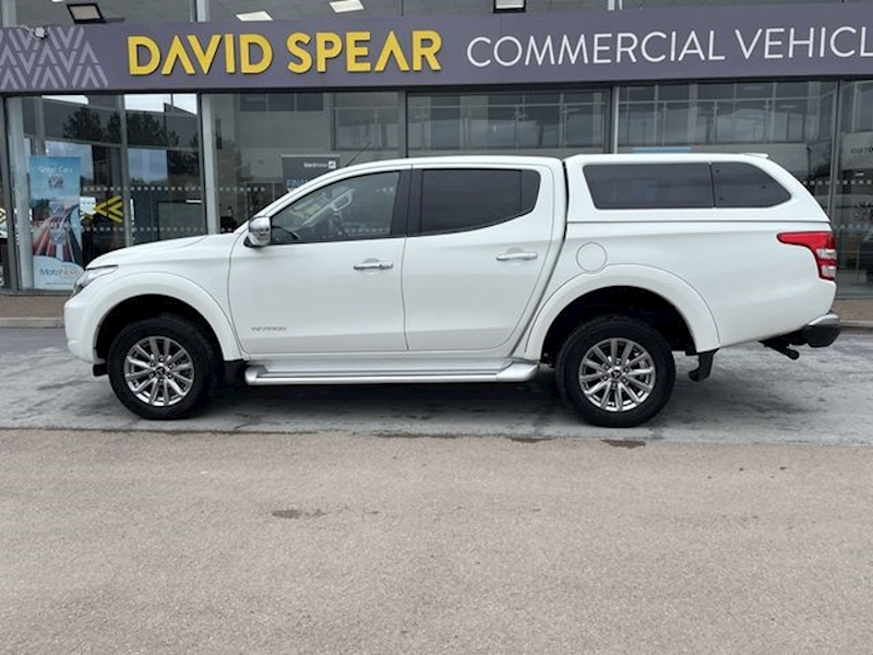 Mitsubishi L200 DID 180ps Warrior 4x4 Dcb Pick Up With Climate, Canopy & Rev Cam 2.4 4dr Pickup Automatic Diesel